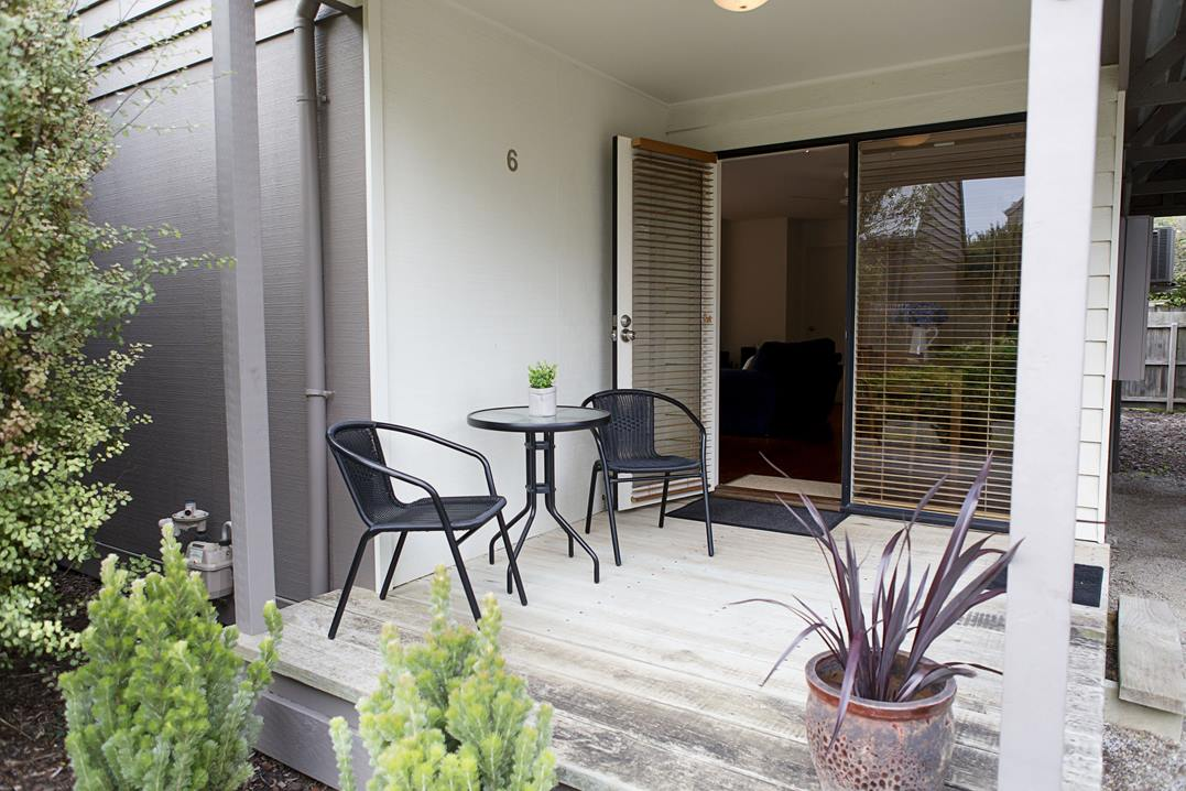 Lonsdale Ti Tree Villa, Point Lonsdale Holiday House